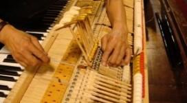 len-day-dan-piano
