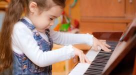 play-piano2_600